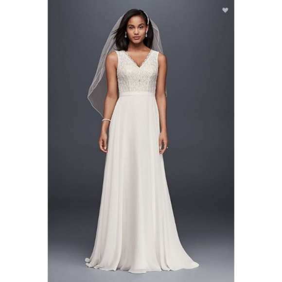 15c51b89bc0 NEW David s Bridal Beaded Lace Wedding Gown